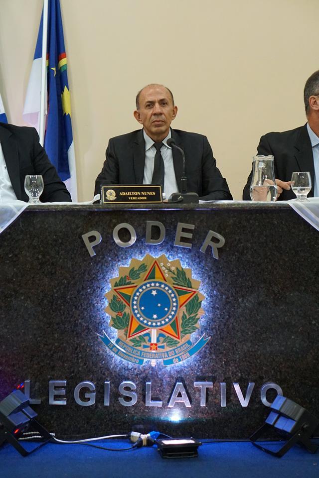 Beto Puça é empossado como novo presidente da Câmara de Vereadores de Floresta
