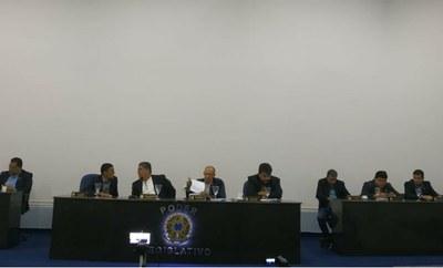 Câmara de Floresta realiza 18ª Sessão Ordinária