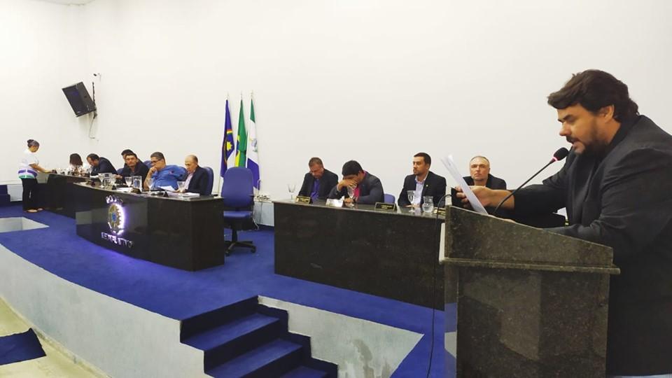 Em mais uma reunião, vereadores de Floresta discutem e votam projetos importantes para a cidade