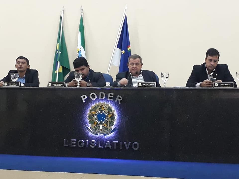 Legislativo se reúne em mais uma Sessão Ordinária