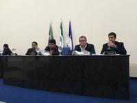 Poder Legislativo discute e vota proposituras em favor da população